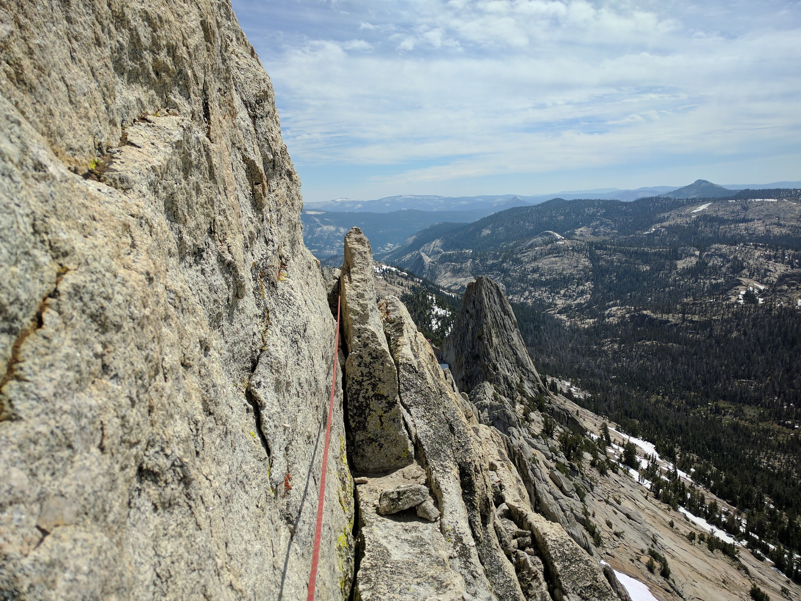 rope running between flakes on Matthes Crest